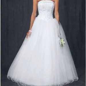 DAVID'S BRIDAL WEDDING DRESS TULLE SKIRT & BEADED